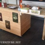 Auxiliary kitchen furniture made with pallets