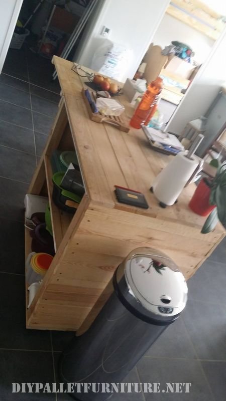 Auxiliary kitchen furniture made with pallets 2
