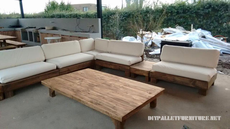 BBQ space furnished with pallets 1