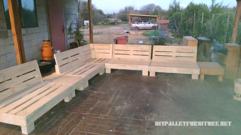 BBQ space furnished with pallets 5