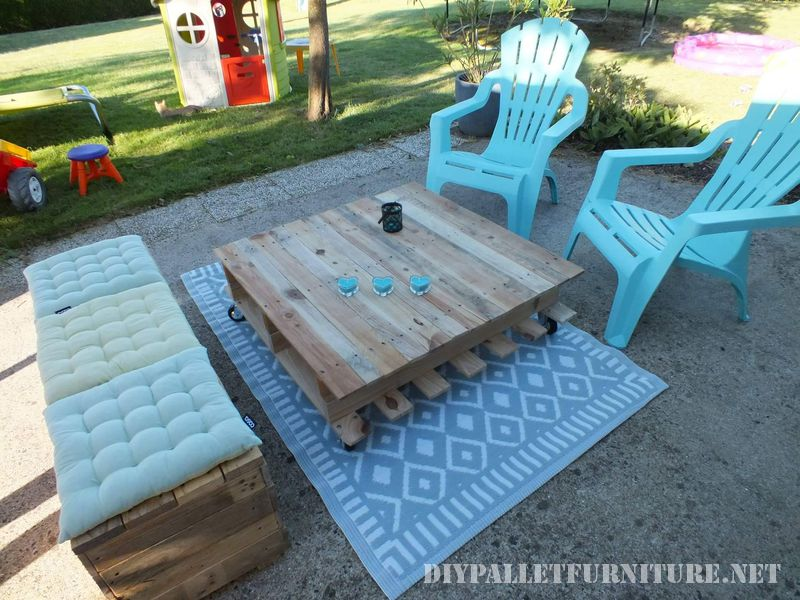 Chill-out space for the terrace with pallets 1