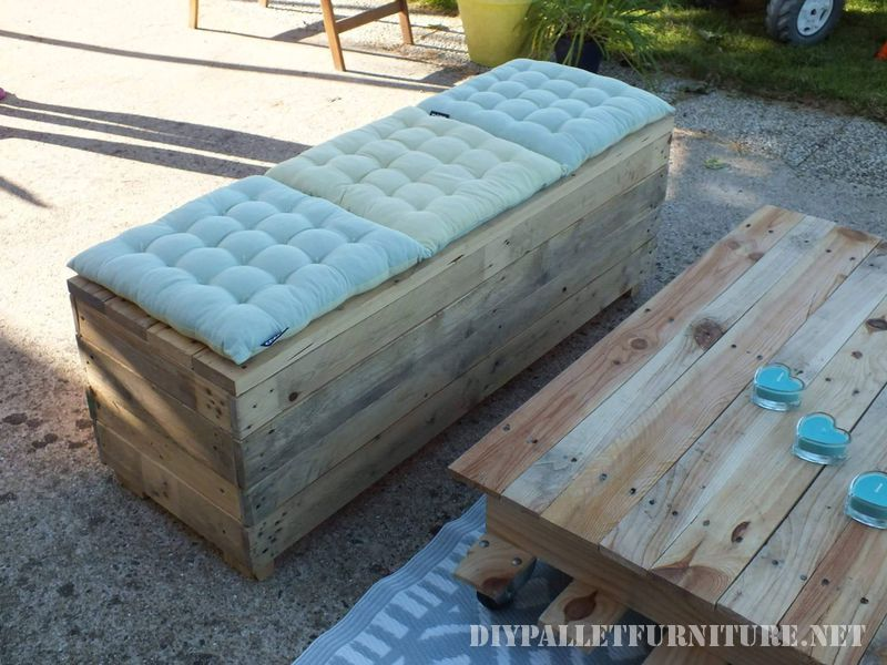 Chill-out space for the terrace with pallets 3