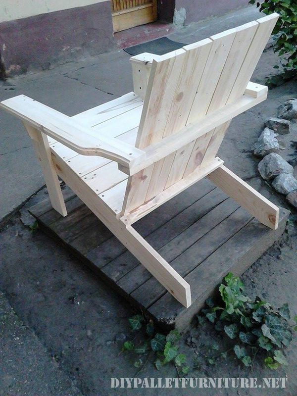 Garden chair with pallets 2