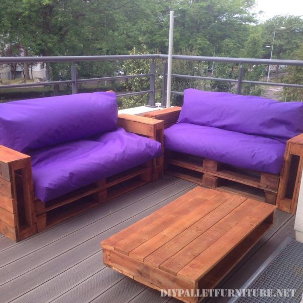 Purple sofas for your garden 1
