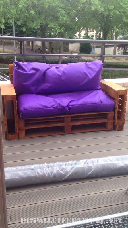 Purple sofas for your garden 2