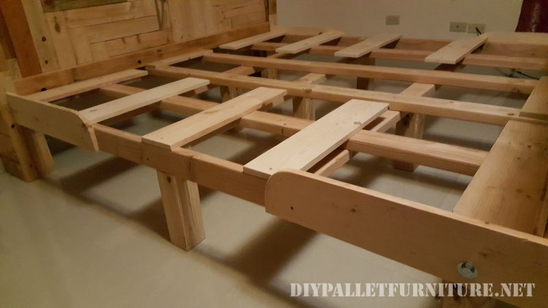 Romantic bed made with pallets 2