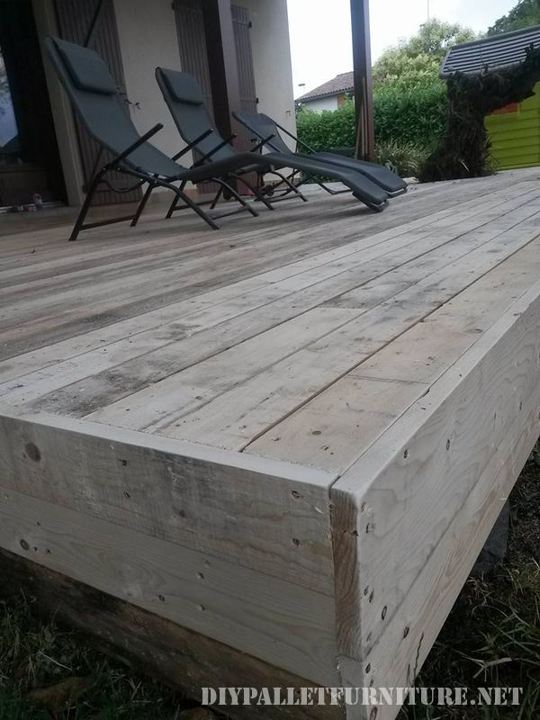 Summer deck completely made with pallets 2