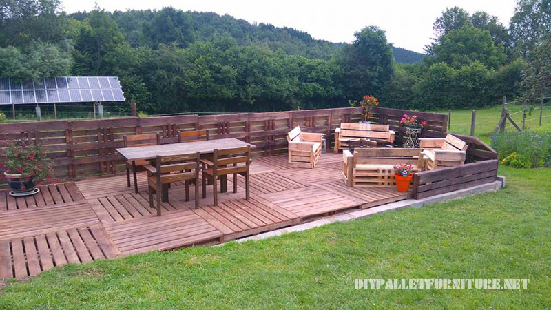 Super terrace with pallets 1