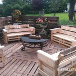 Super terrace with pallets!