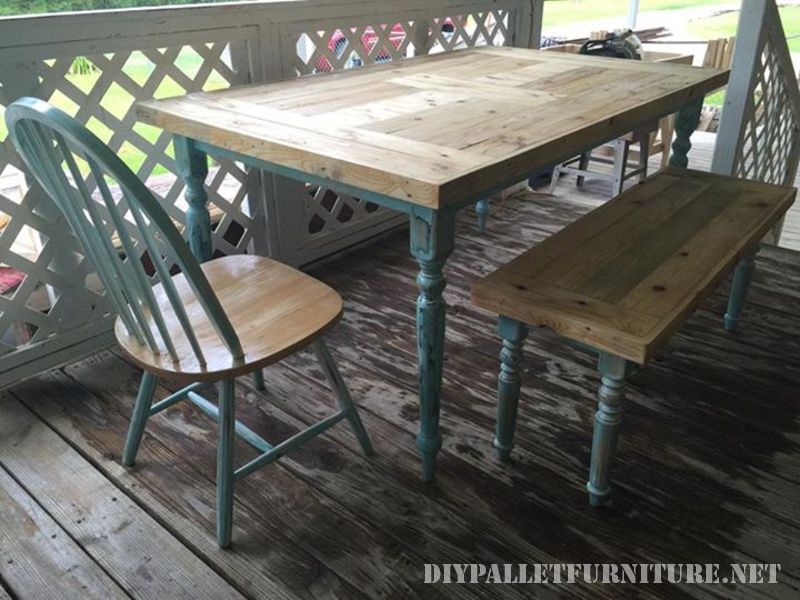 Table recovered with pallet planks 1