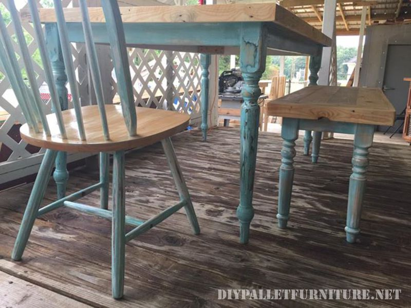 Table recovered with pallet planks 4