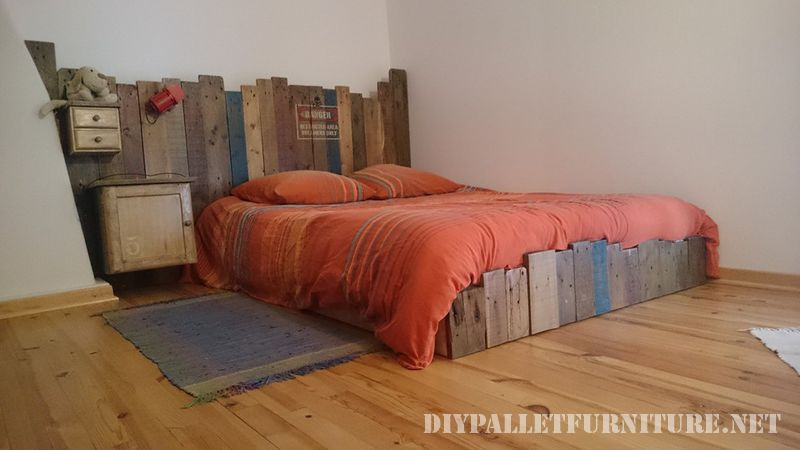 Vintage pallet bedDIY Pallet Furniture  DIY Pallet Furniture