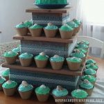 Pallet stand where to place cupcakes