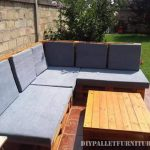 Pallet sofa for the garden