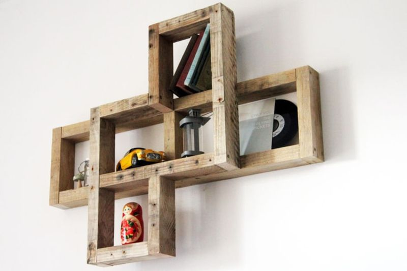 examples-of-shelves-that-you-can-do-with-pallets-3