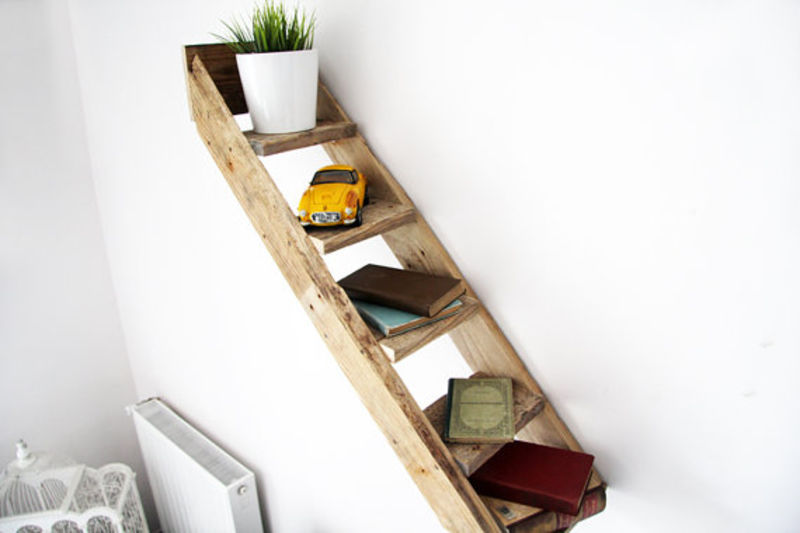 examples-of-shelves-that-you-can-do-with-pallets-7
