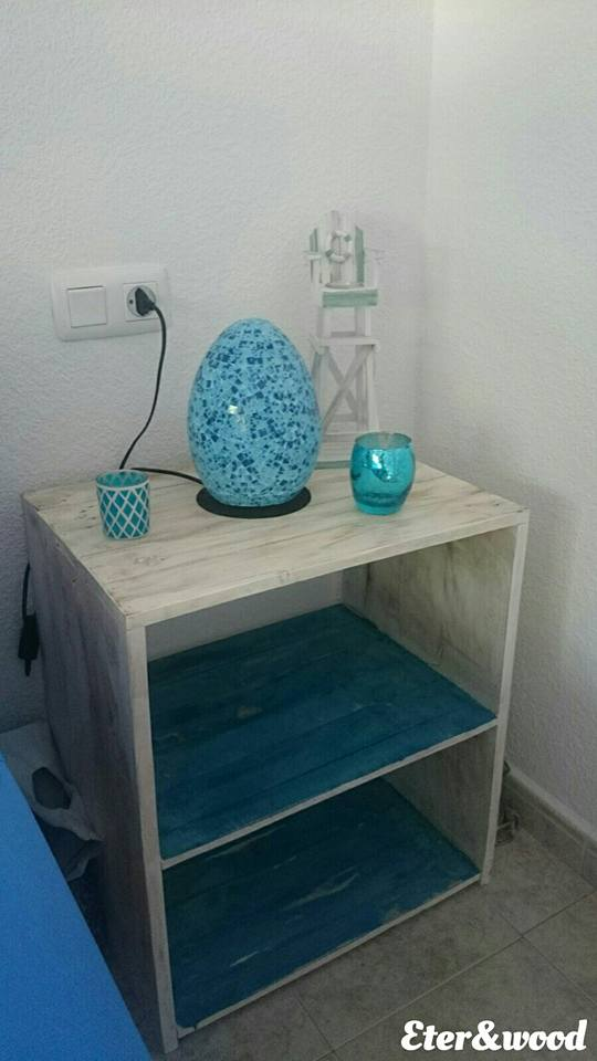 headboard-and-pallet-table-3