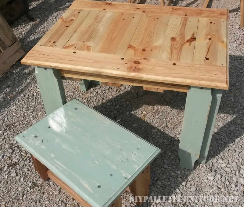 pallet-table-and-stool-1