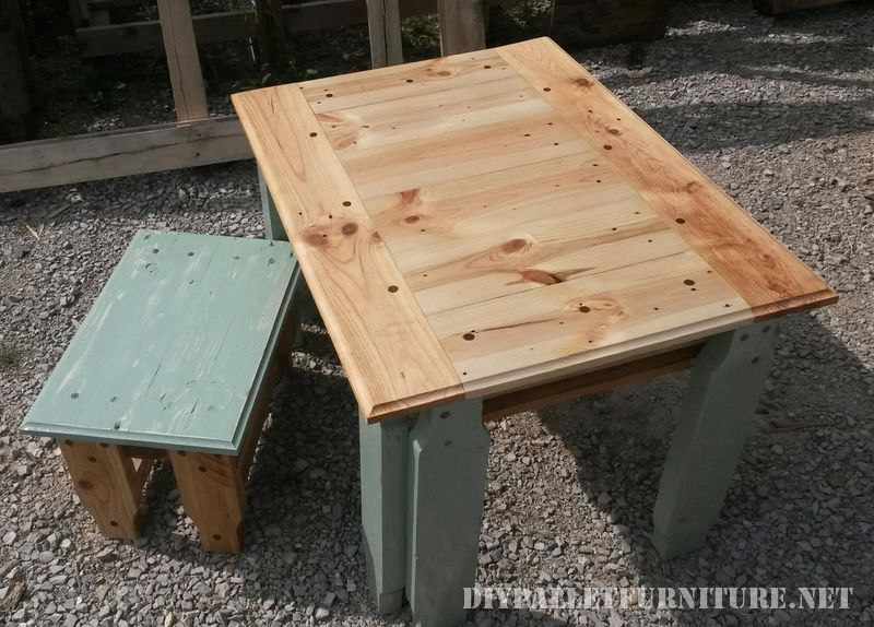 pallet-table-and-stool-2