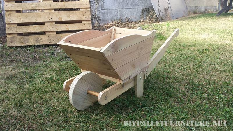 Pallet wheelbarrow 1