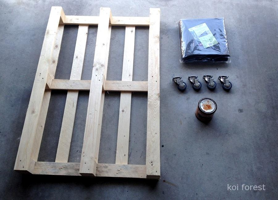 planter-table-for-the-cat-with-a-pallet-1