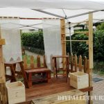 Stand for fairs built with pallets