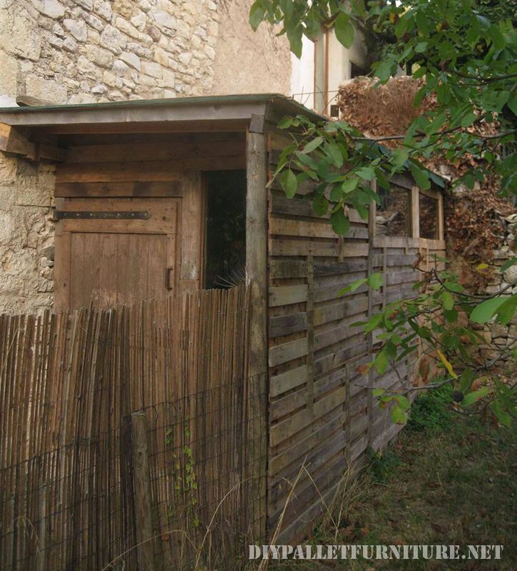 tool-shed-made-with-pallets-6