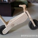 Toy bicycle with pallets