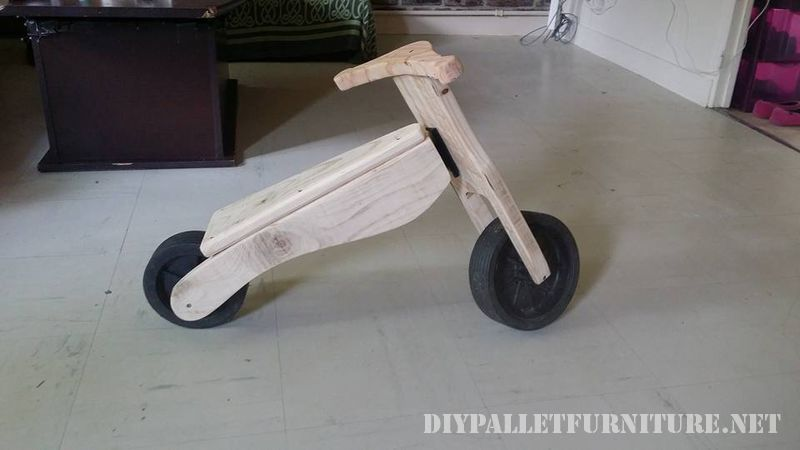 toy-bicycle-with-pallets-3