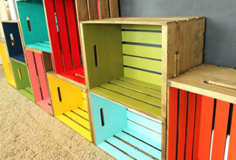 Your furniture painted with colors pallet diy pallet for Painted crate ideas