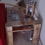 Side table for the sofa with pallets