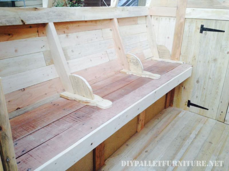 caravan-made-with-99-9-pallet-planks-4