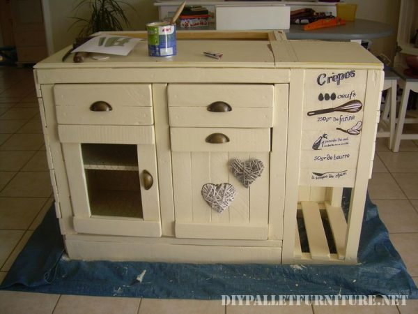 kitchen-island-built-with-pallets-1