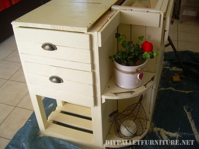 kitchen-island-built-with-pallets-2