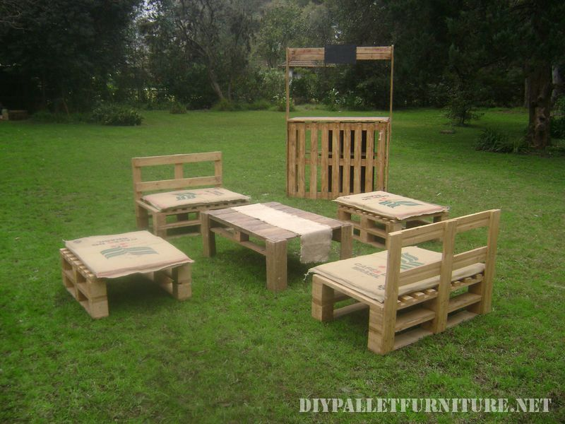 pallet-furniture-rental-for-events-3