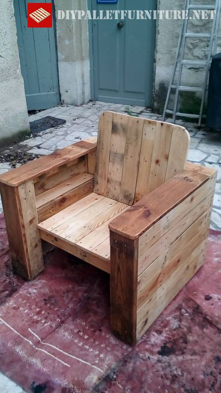 armchair-made-with-pallet-boards-2