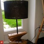 Pallet lamp using pallet planks