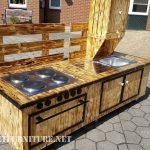 Autonomous kitchen with pallets