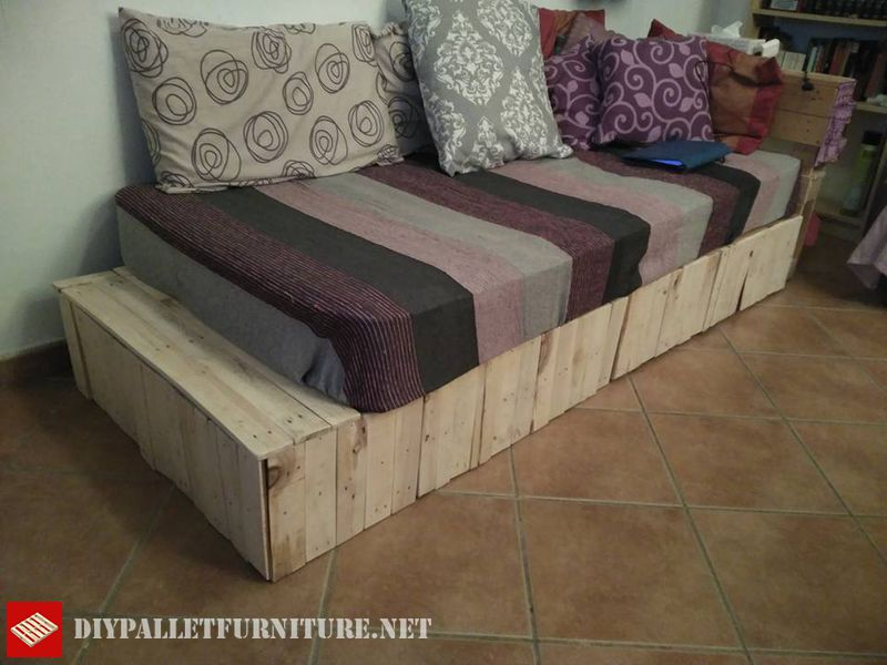 bed-divan-with-pallets-2