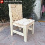 Chair made with pallet remnants