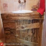 Fully customized bathroom with pallets