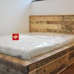 Solid bed built with pallets