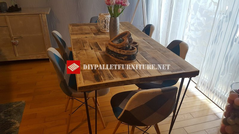 60s style dining tablediy pallet furniture diy pallet furniture - Table a manger palette ...