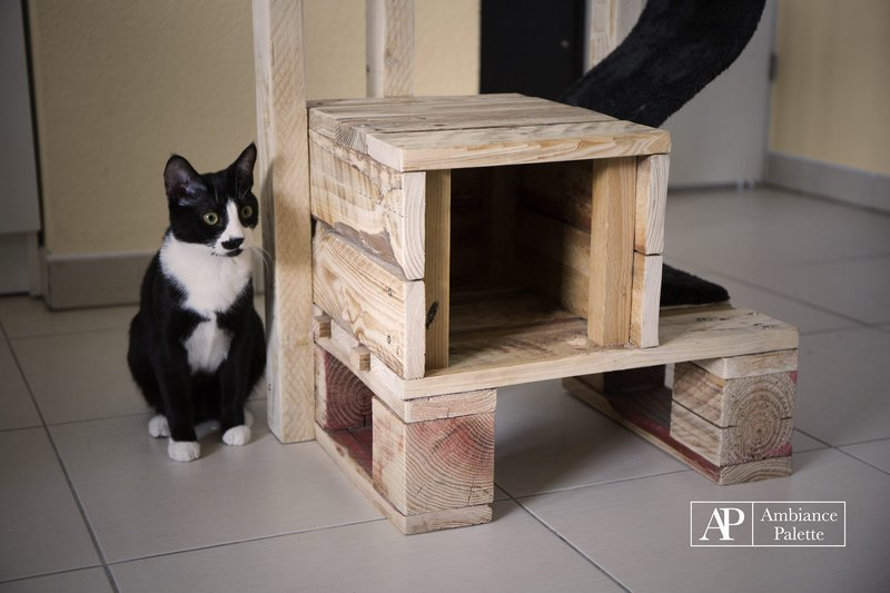 kit for cats made with palletsdiy pallet furniture diy pallet furniture. Black Bedroom Furniture Sets. Home Design Ideas