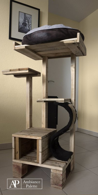 Kit for cats made with palletsdiy pallet furniture diy for Diy cat tree pvc pipe